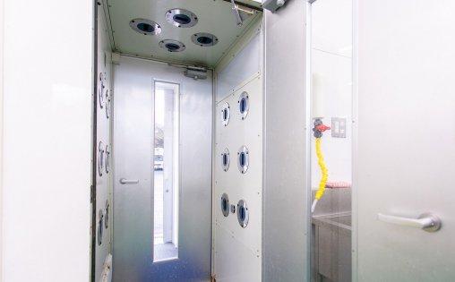 エアシャワー室